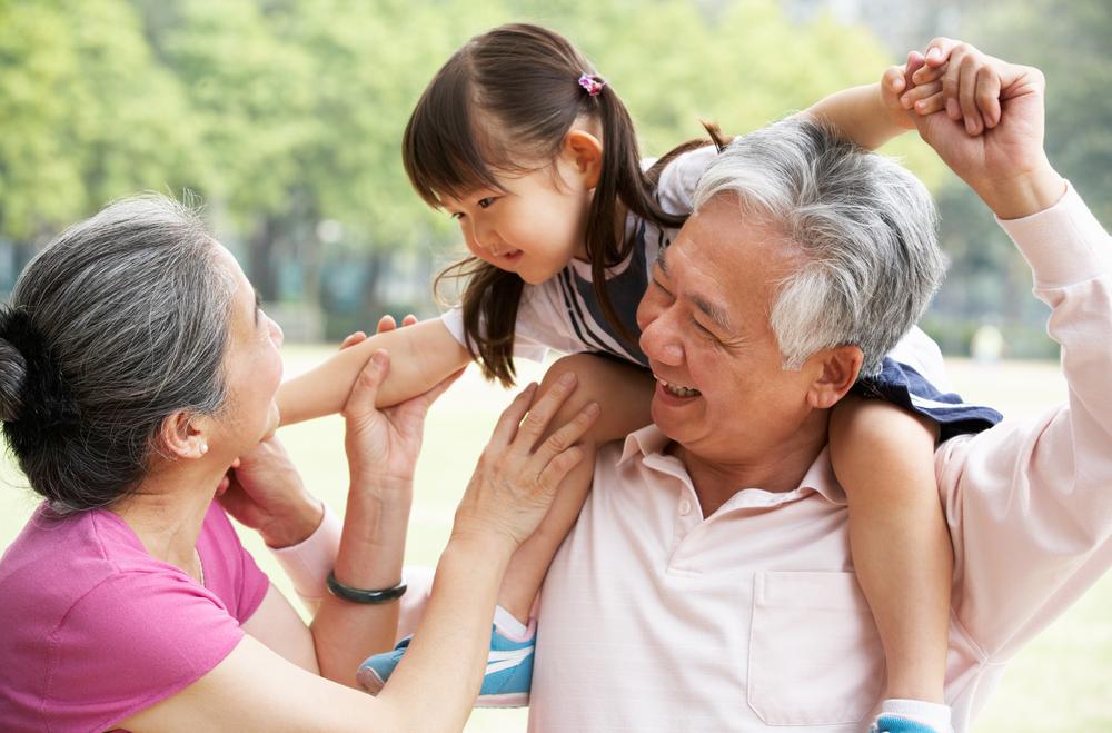 Tips Menitipkan Anak pada Mertua