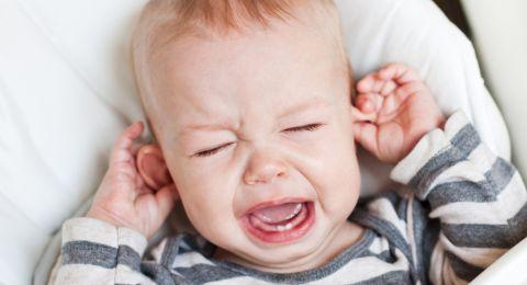 Tips Mengatasi Infeksi Telinga Pada Bayi