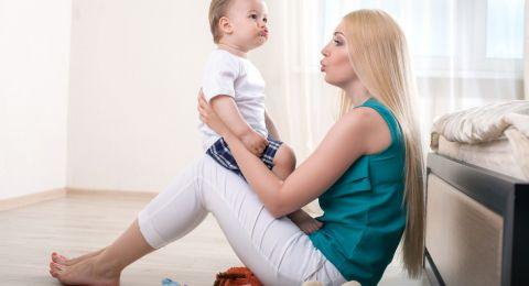 Tahapan Perkembangan Bahasa Bayi