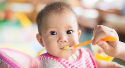 Makanan Ini Terlarang Diberikan pada Bayi di Bawah 1 Tahun