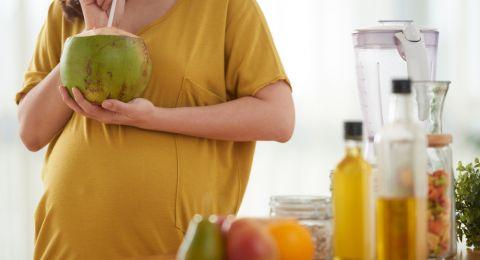 Manfaat Air Kelapa Selama Kehamilan
