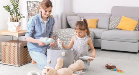 Latih Anak Merapikan Mainan Sendiri